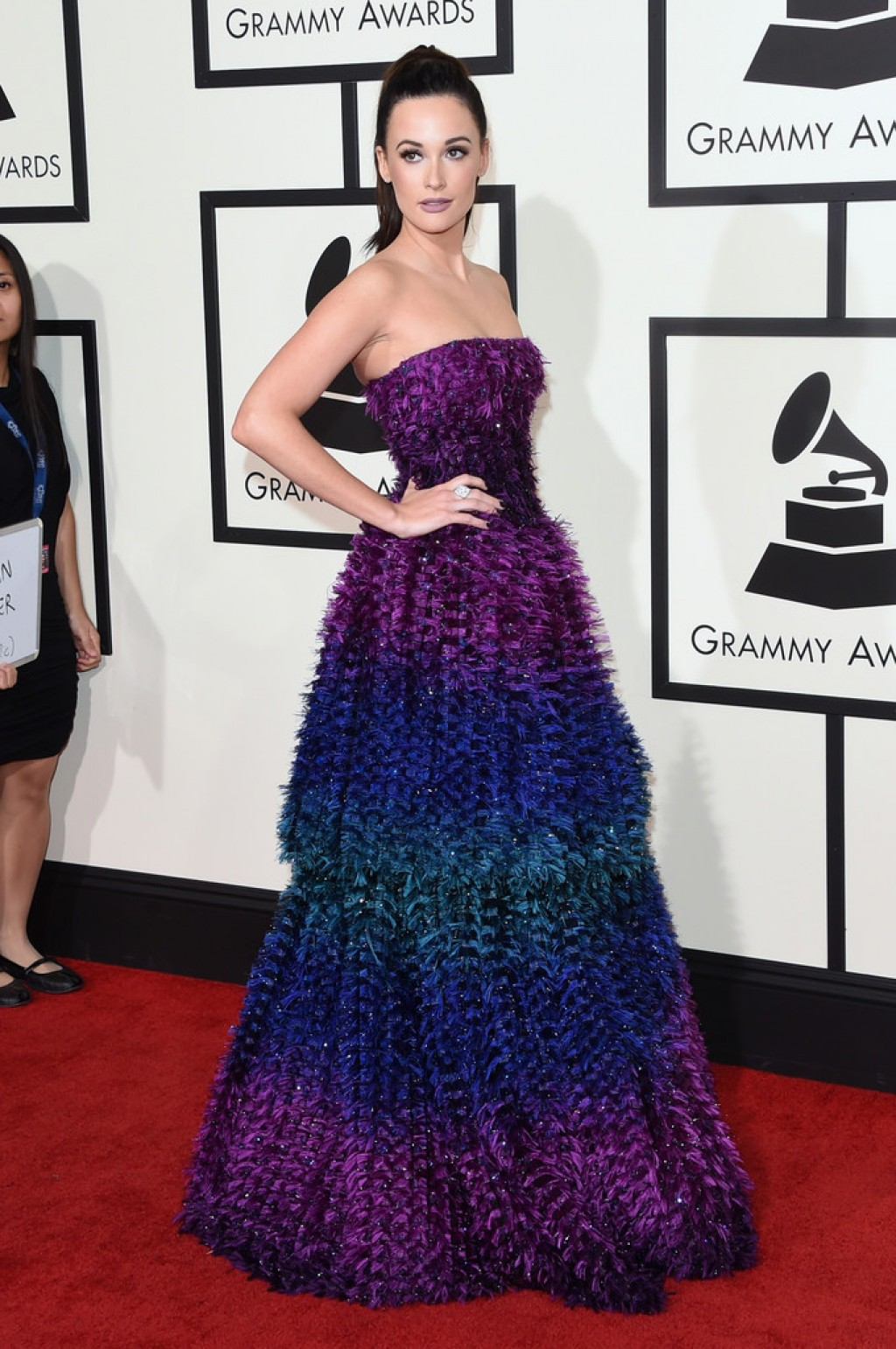 Kacey-Musgraves-Wearing-Armani-Prive-2016-Grammys-d-1024x1542