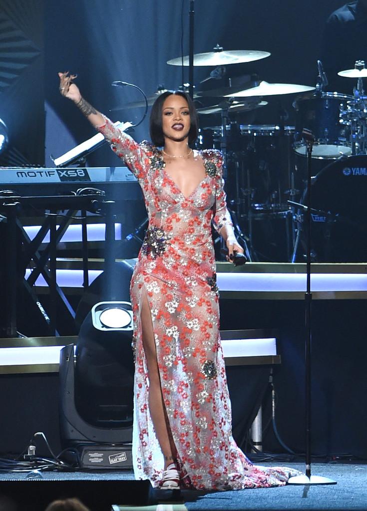 Rihanna-Cares-2016-Dress