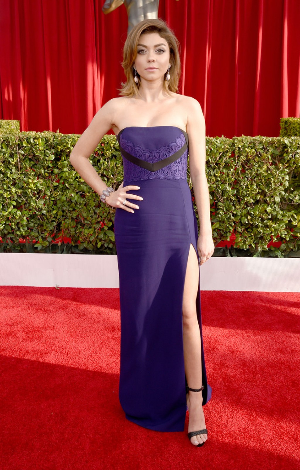 Screen-Actors-Guild-Awards-Sarah-Hyland-shoes-Dress-1024x1600