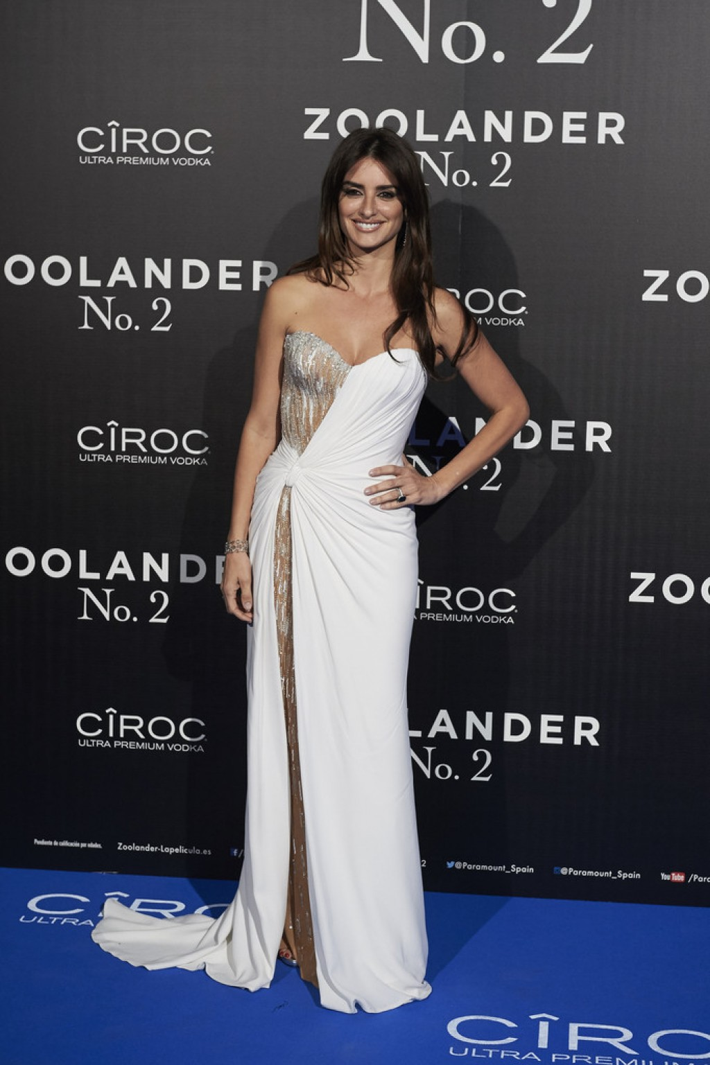 Zoolander-2-Madrid-Fan-Screening-Penelope-Cruz-Dress-Versace-1024x1537