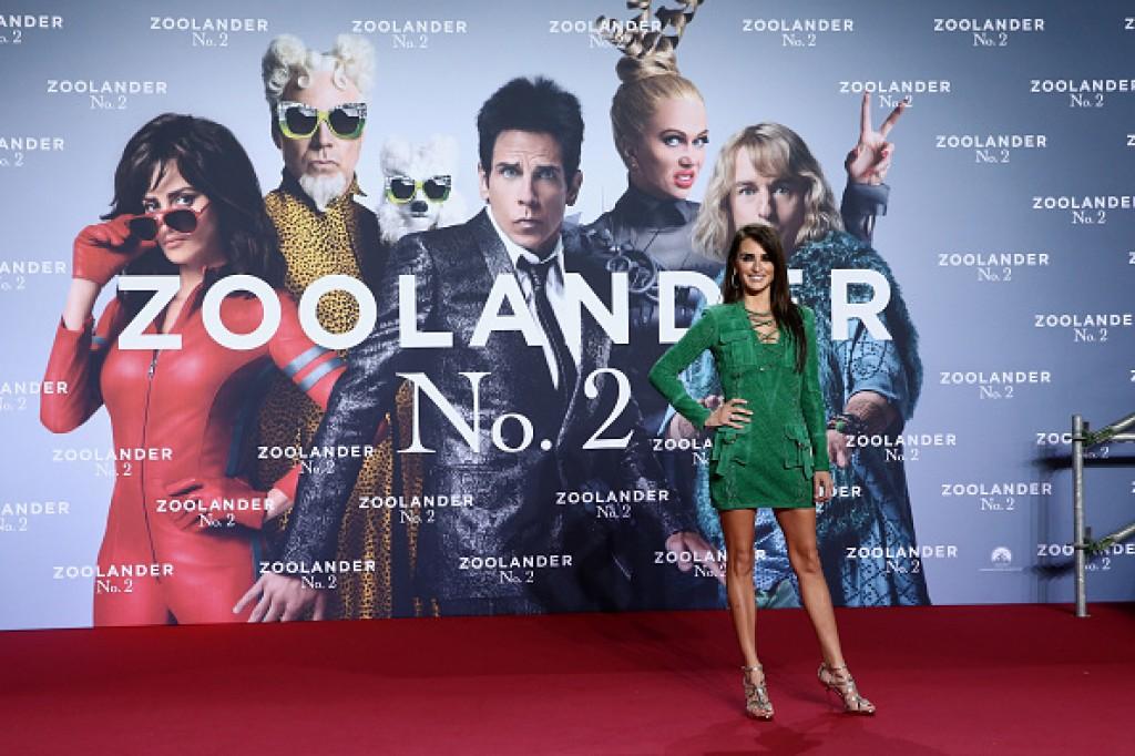Zoolander-No.-2-Berlin-Fan-Screening-Penelope-Cruz-Dress-1024x682