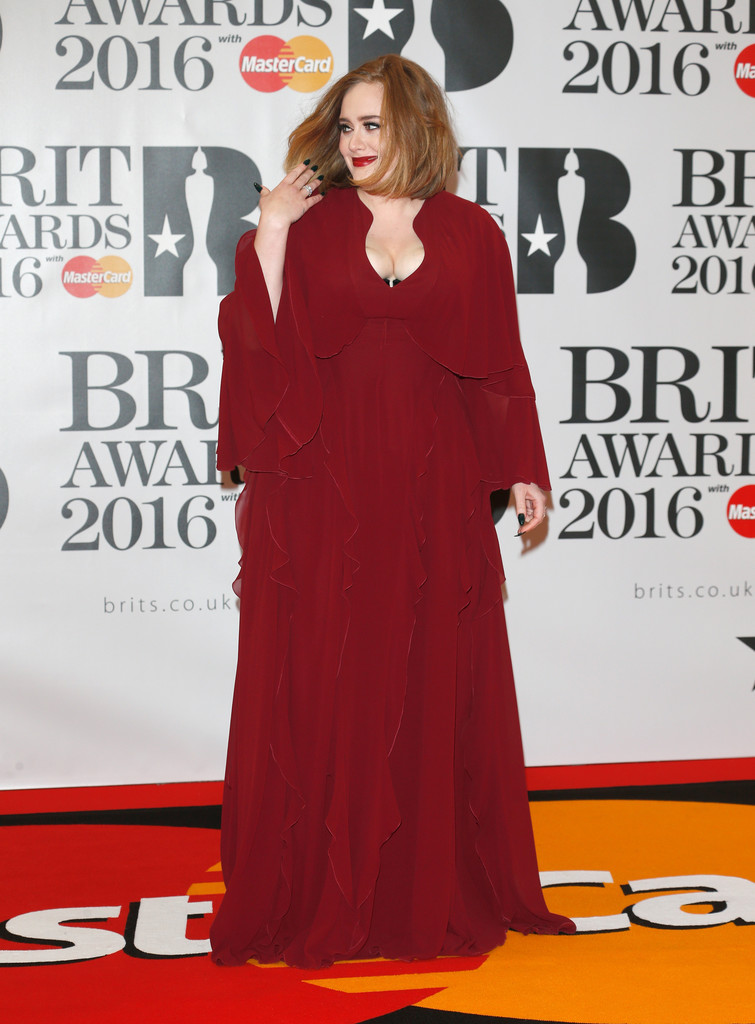 adele-2016-brit-awards-giambattista-valli-gown-style