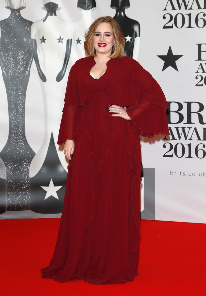 adele-2016-brit-awards-giambattista-valli-gown