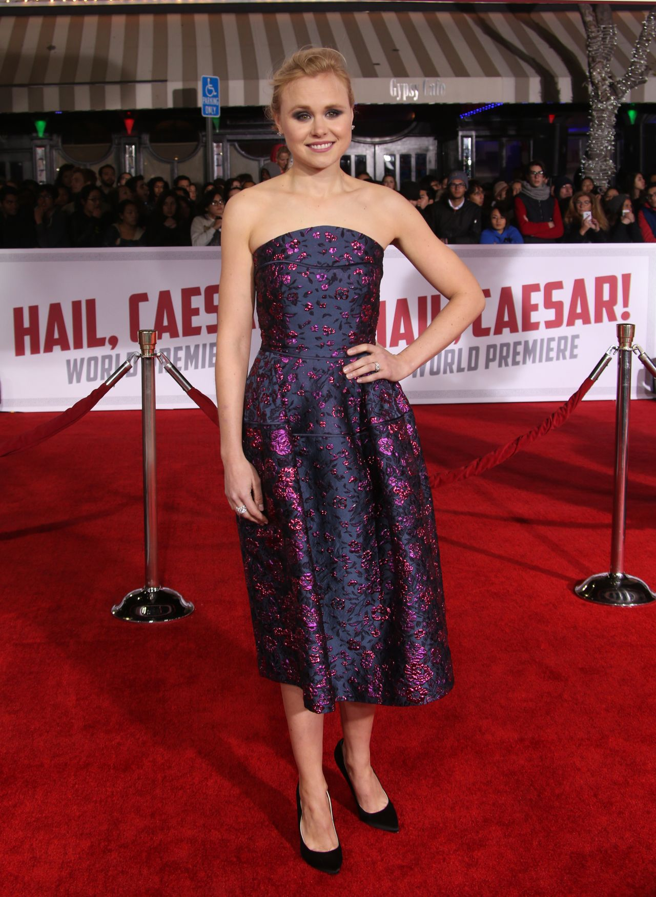 alison-pill-hail-caesar-premiere-in-hollywood-1-1
