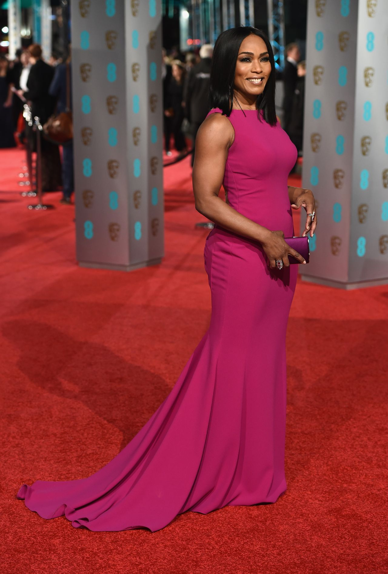 angela-bassett-bafta-film-awards-2016-in-london-4