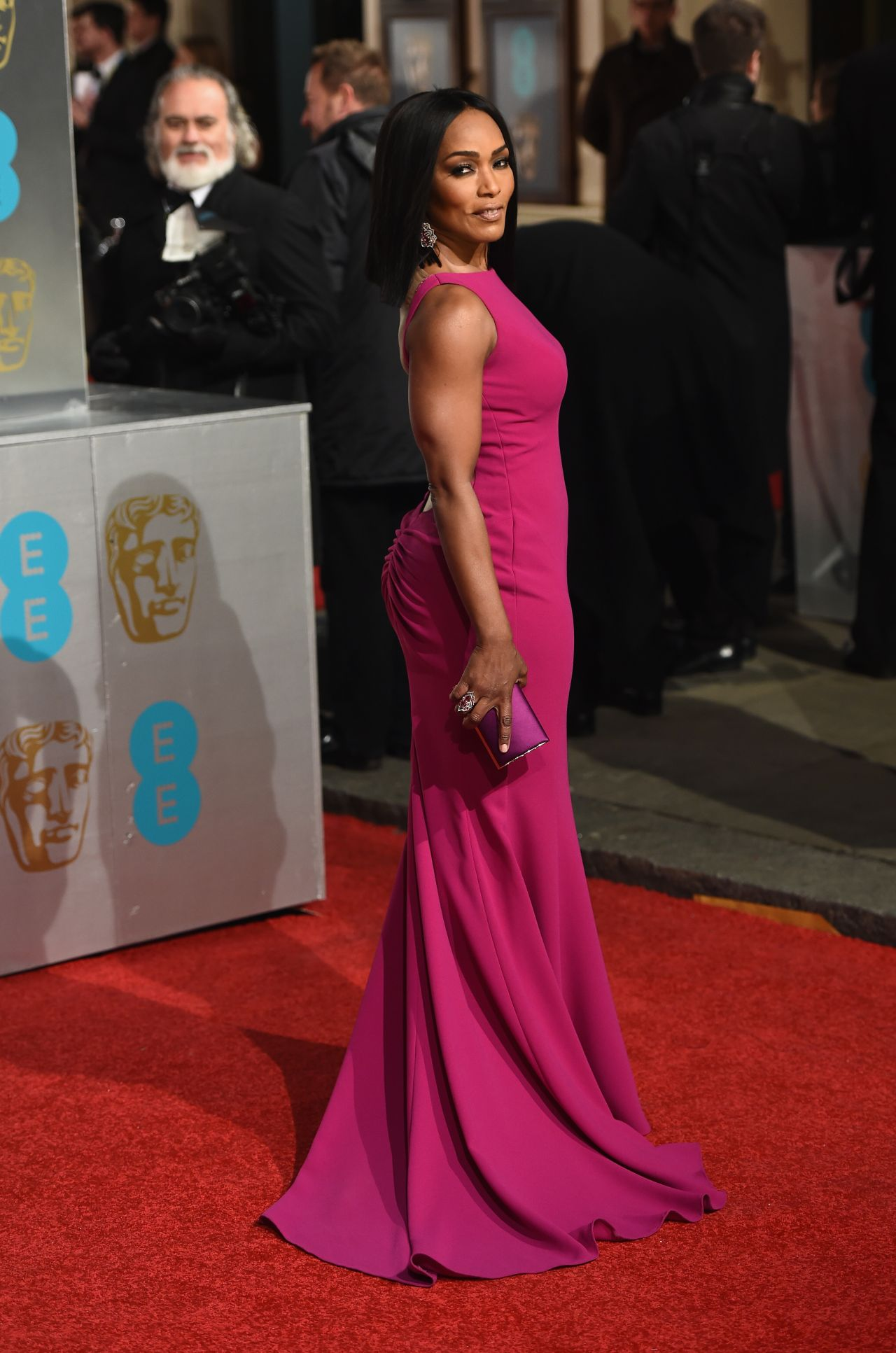 angela-bassett-bafta-film-awards-2016-in-london-5