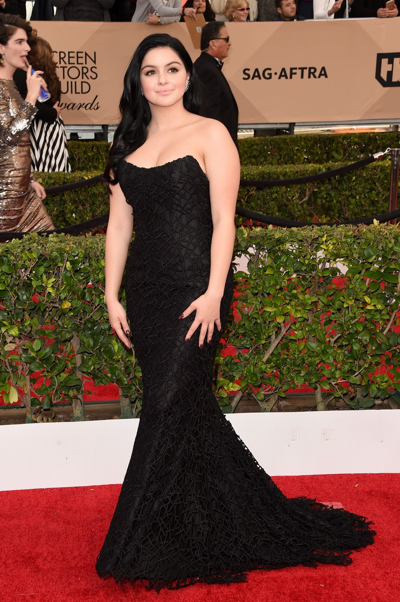 ariel-winter-sag-awards-2016-at-shrine-auditorium-in-los-angeles-1