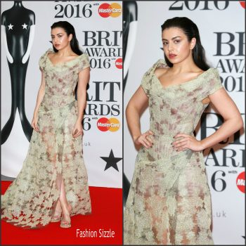 charli-xcx-in-vivienne-westwood-2016-brit-awards