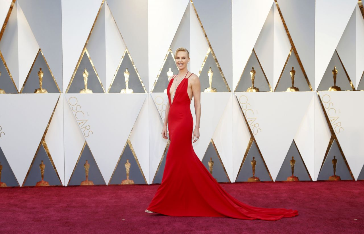 charlize-theron-oscars-2016-in-hollywood-ca-2-28-2016-2