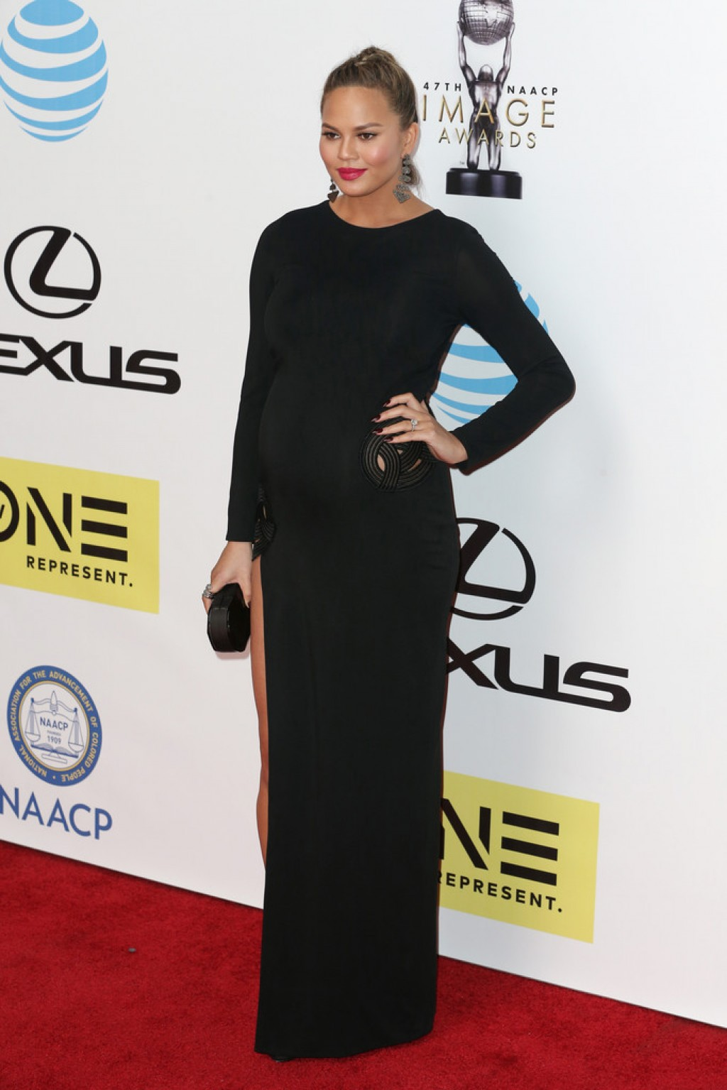chrissy-teigen-2016-naacp-image-awards-haney-gown-1024x1535