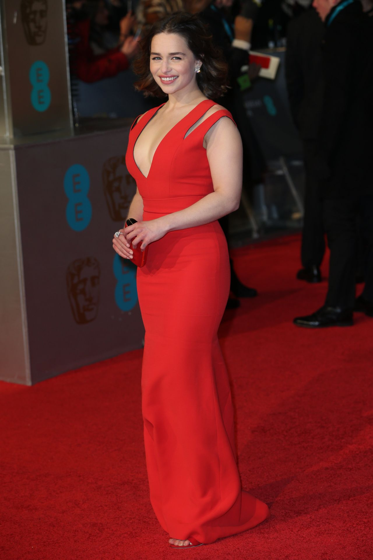 emilia-clarke-bafta-film-awards-2016-in-london-4