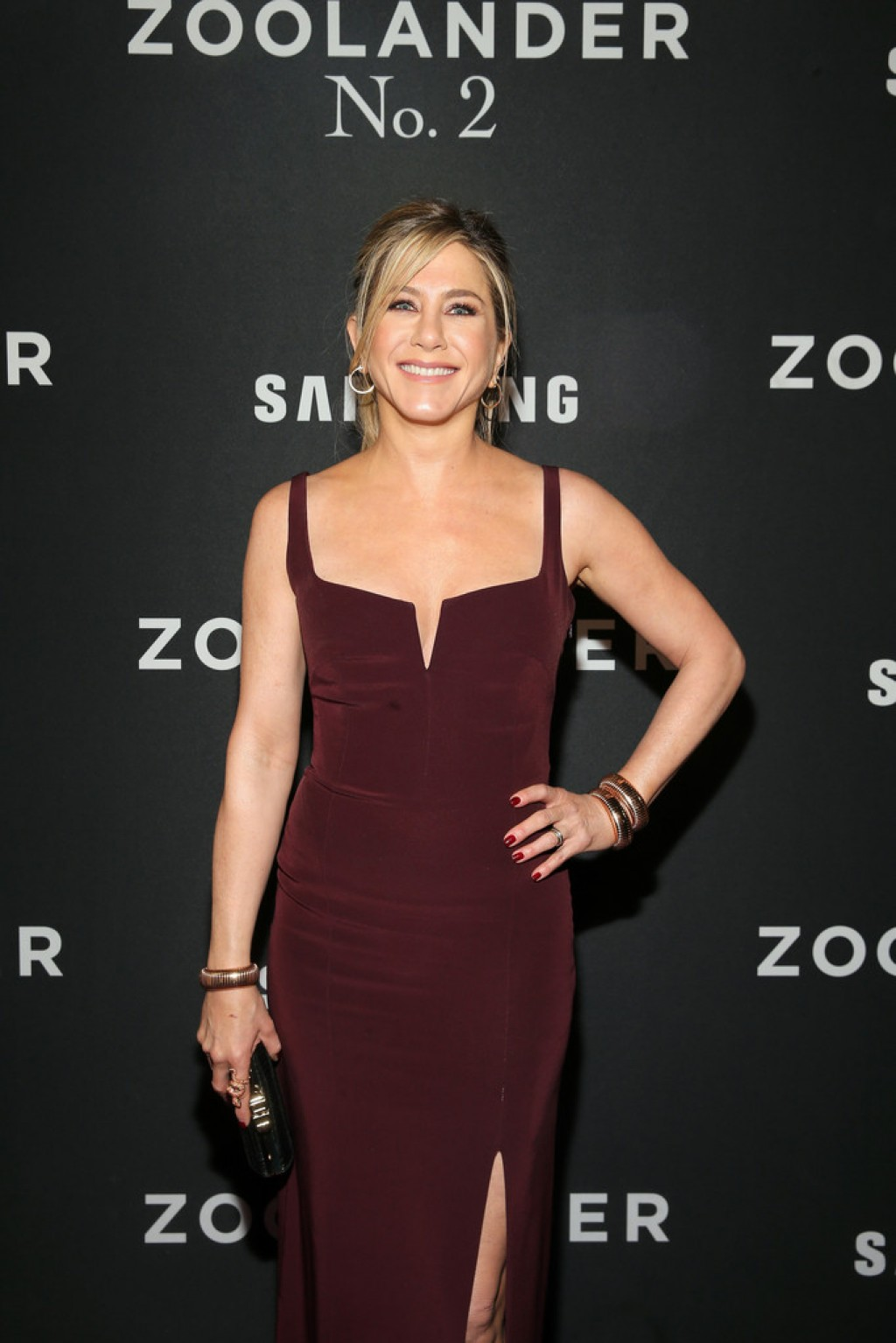 Jennifer Aniston In Galvan Zoolander 2 World Premiere Fashionsizzle