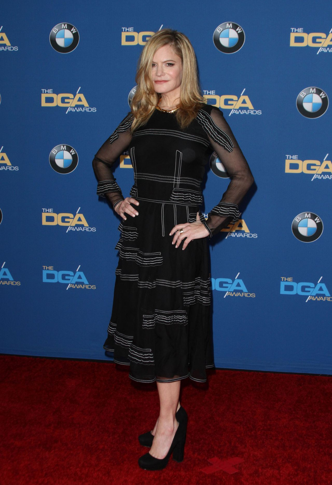 jennifer-jason-leigh-directors-guild-of-america-awards-2016-in-los-angeles-5
