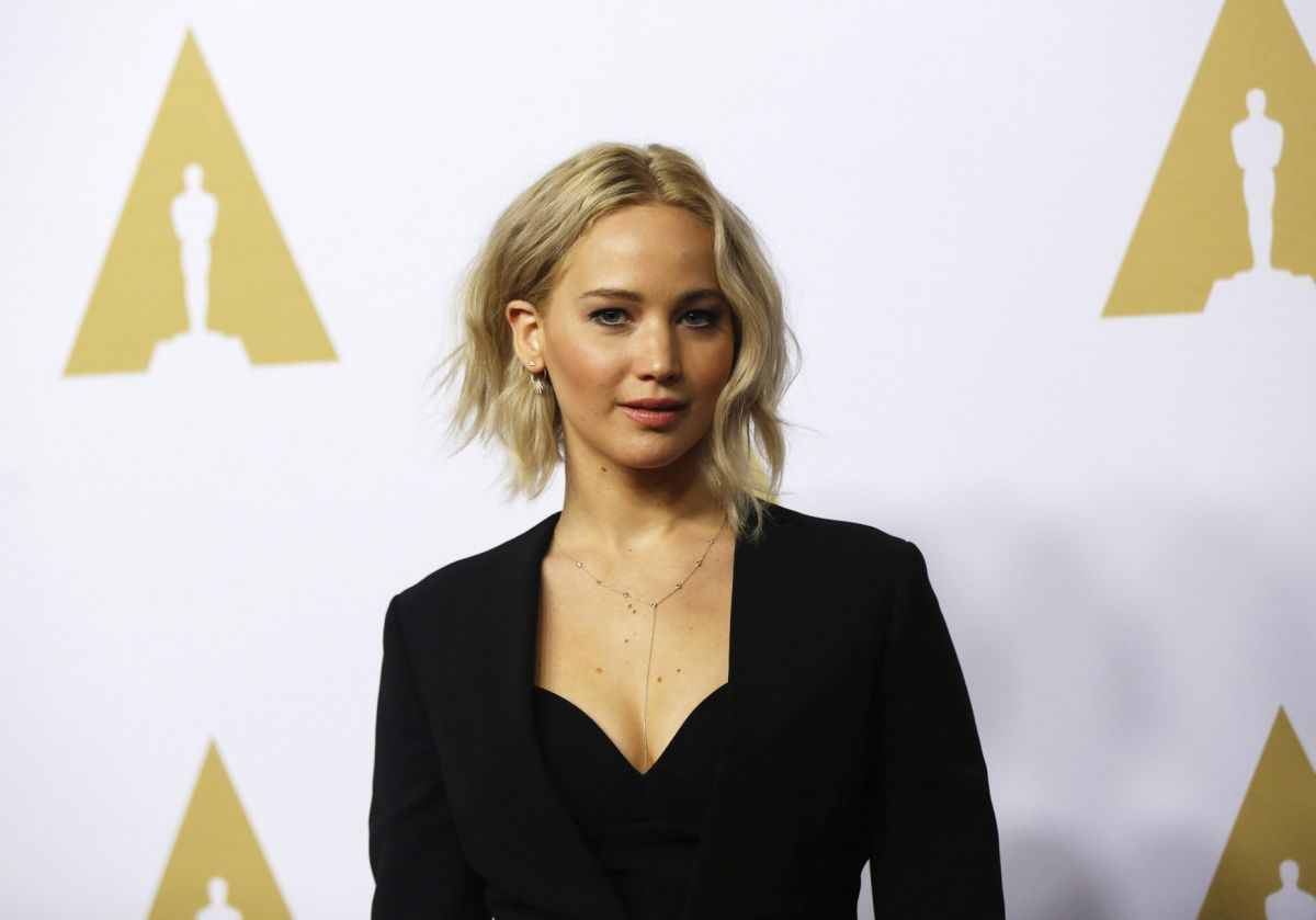 jennifer-lawrence-at-academy-awards-nominee-luncheon-in-beverly-hills-02-08-2016_2