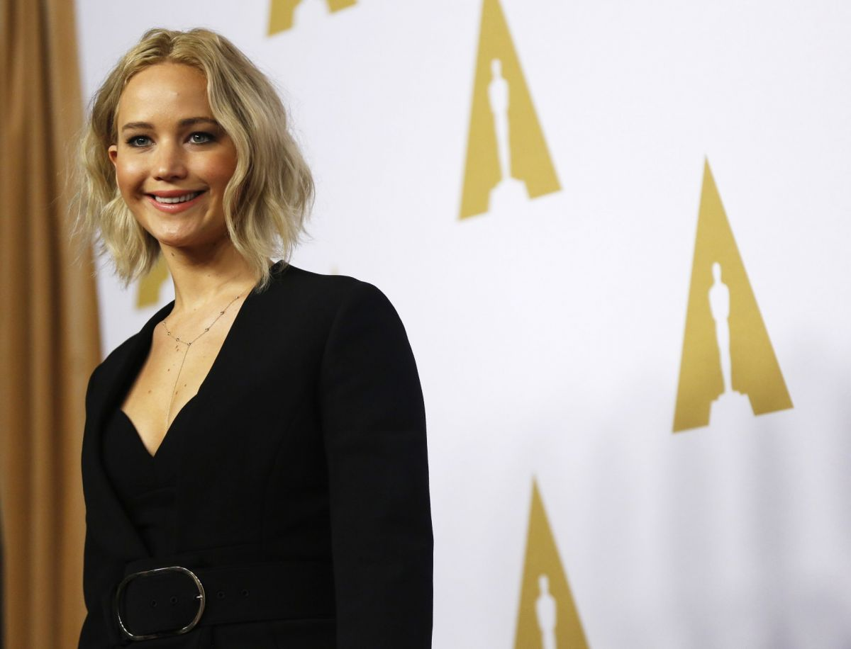 jennifer-lawrence-at-academy-awards-nominee-luncheon-in-beverly-hills-02-08-2016_3