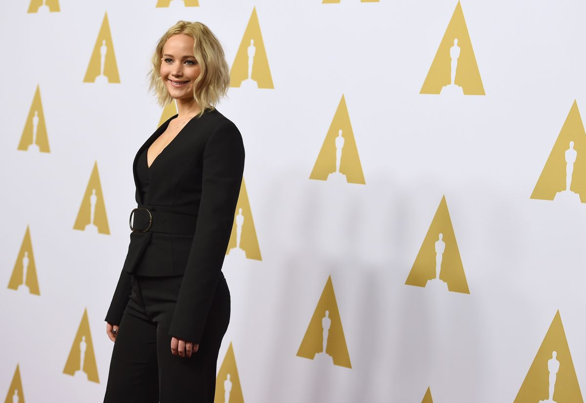 jennifer-lawrence-at-academy-awards-nominee-luncheon-in-beverly-hills-02-08-2016_4