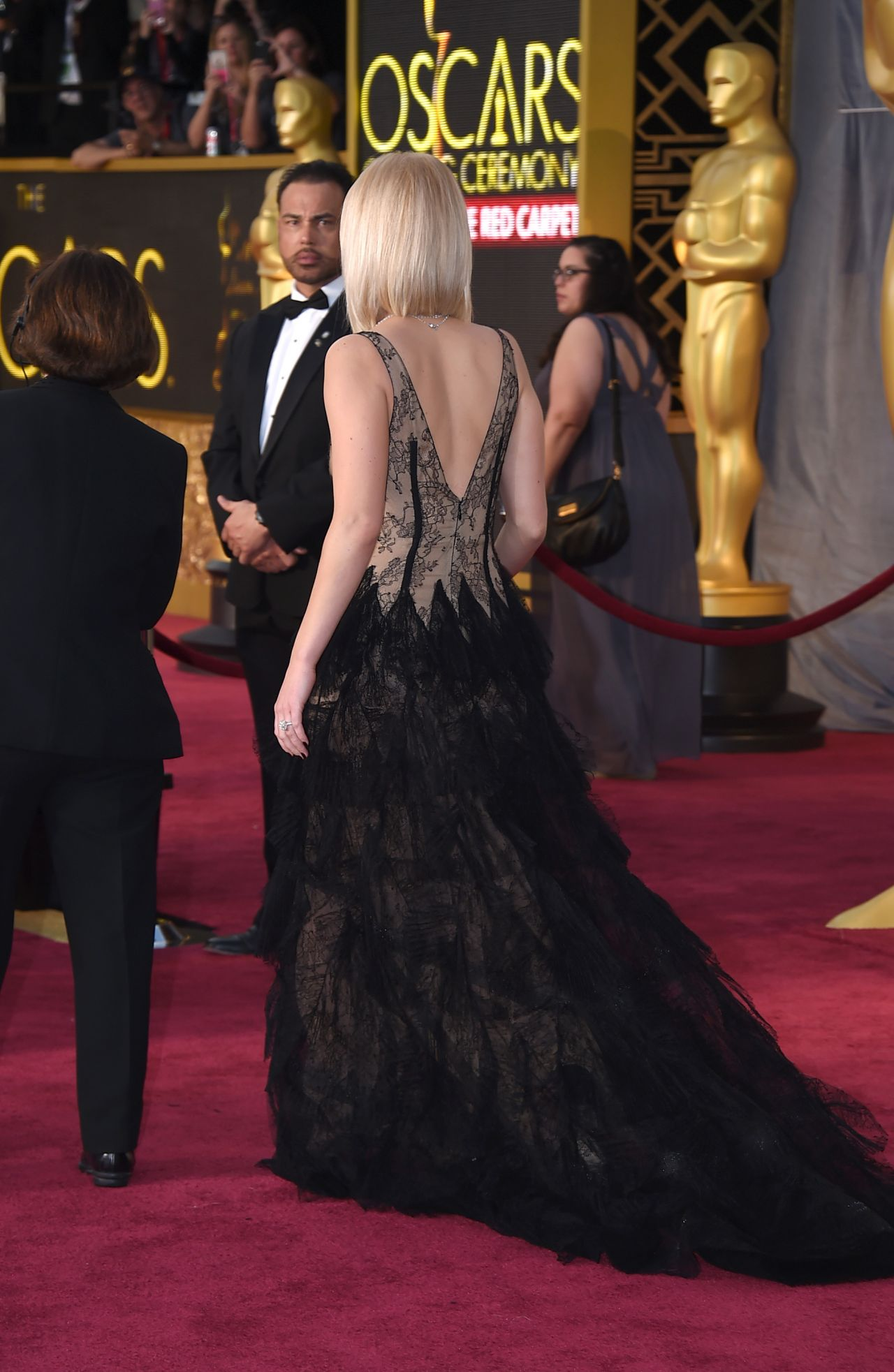 jennifer-lawrence-oscars-2016-in-hollywood-ca-2-28-2016-20