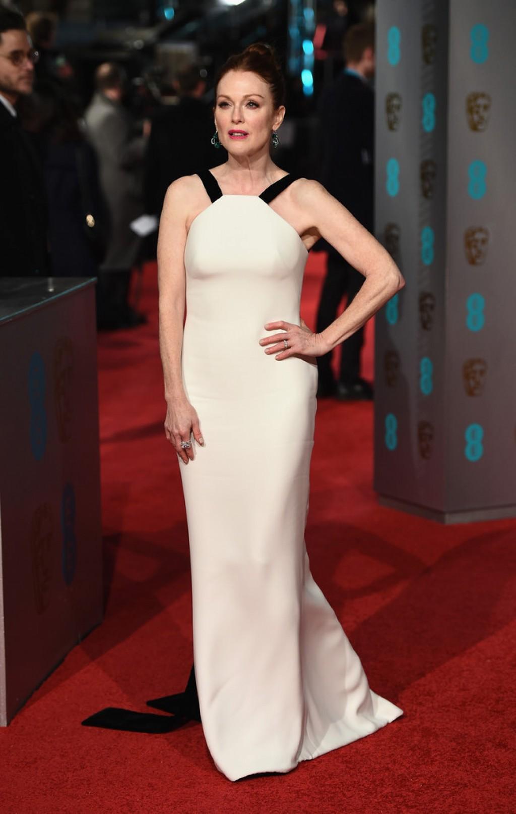 Julianne Moore In Giorgio Armani 2016 Ee British Academy