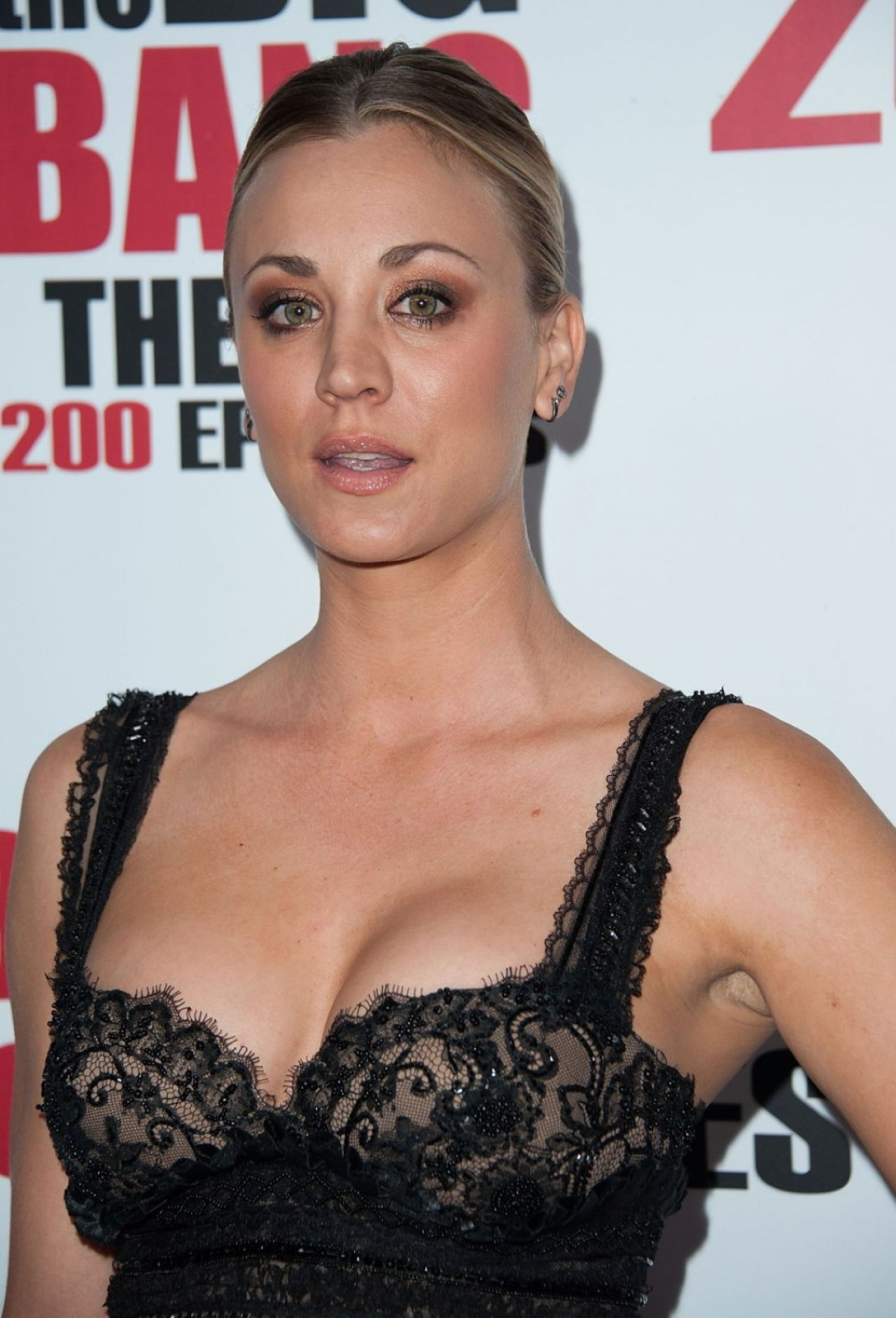 kaley-cuoco-cbs-s-the-big-bang-theory-celebrates-200th-episode-in-los-angeles-2