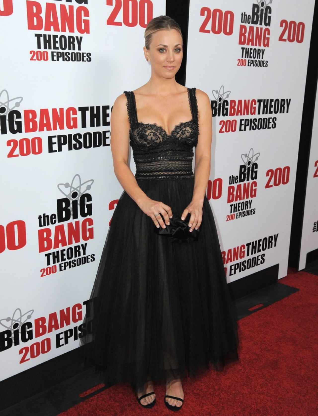 kaley-cuoco-cbs-s-the-big-bang-theory-celebrates-200th-episode-in-los-angeles-7