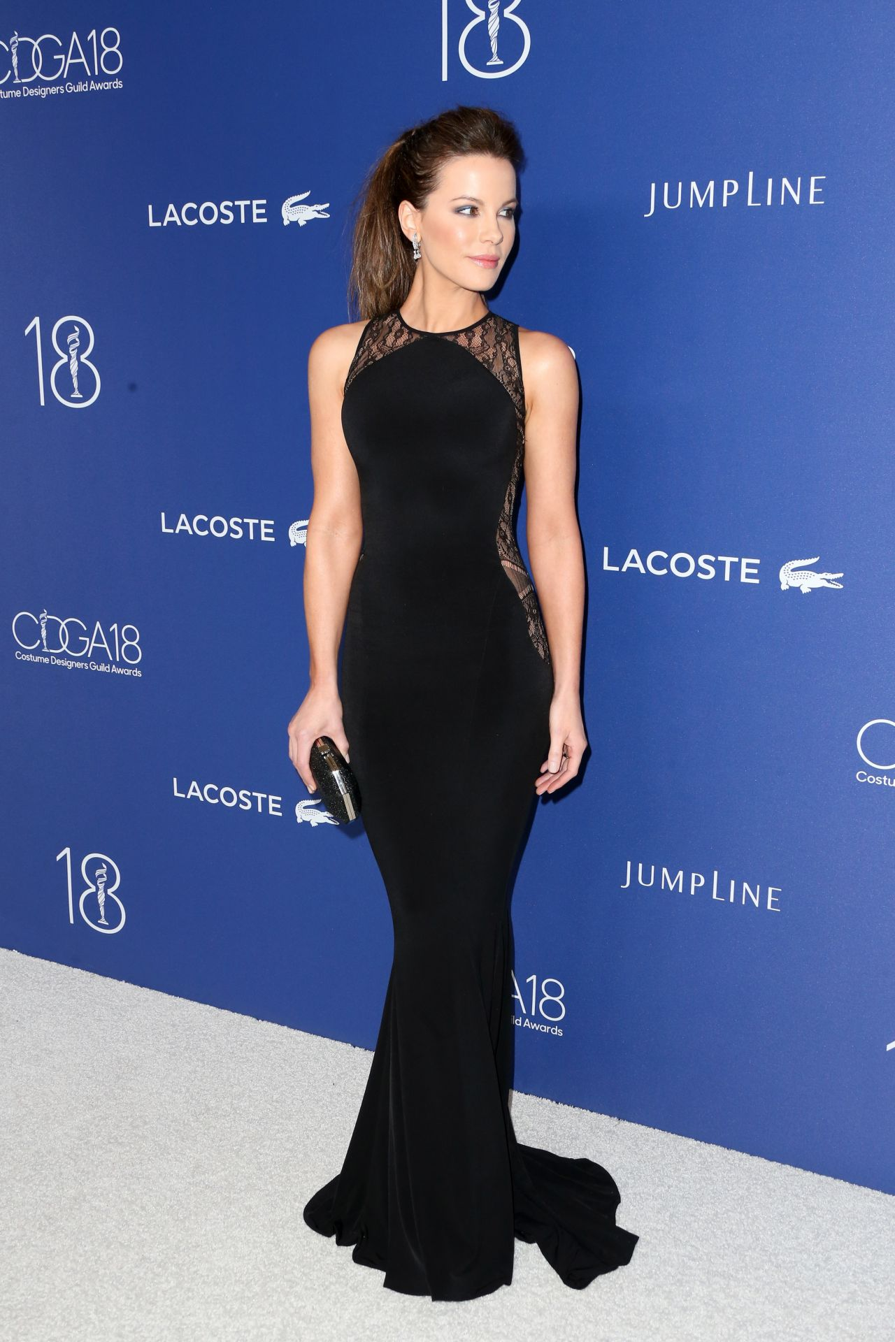kate-beckinsale-costume-designers-guild-awards-2016-with-lacoste-in-beverly-hills-5