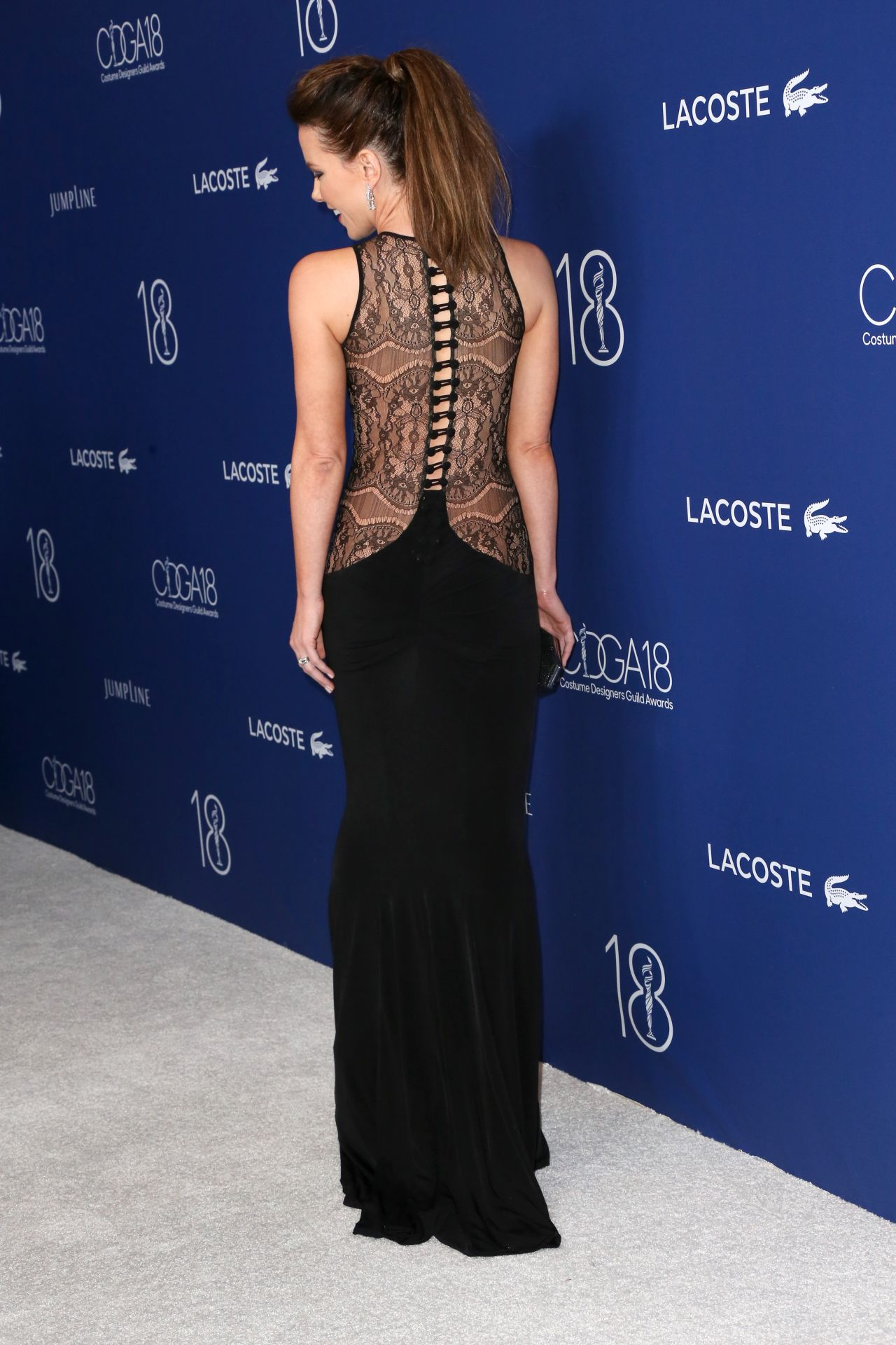 kate-beckinsale-costume-designers-guild-awards-2016-with-lacoste-in-beverly-hills-7