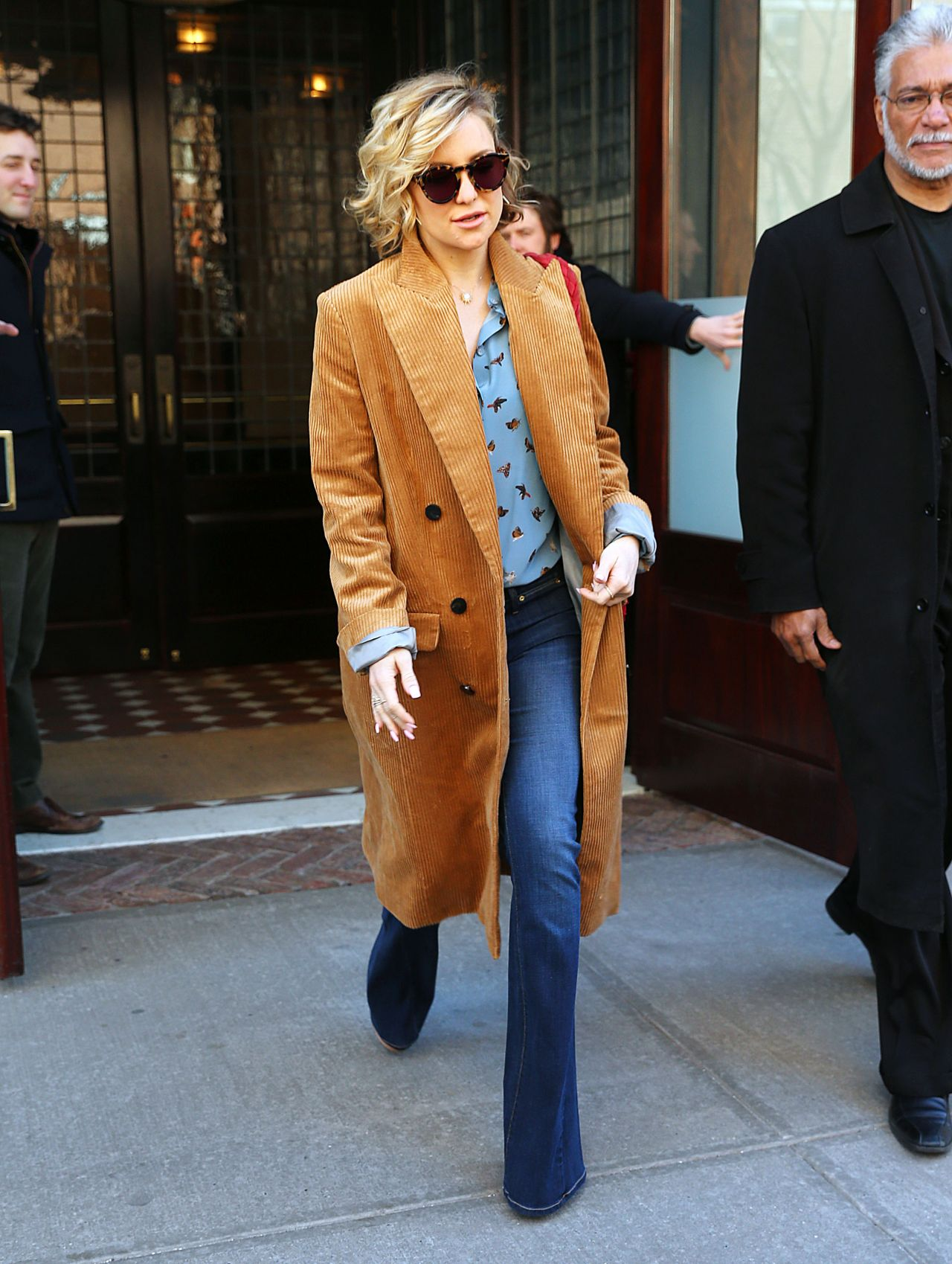 kate-hudson-street-style-leaving-her-hotel-in-new-york-city-ny-2-19-2016-5