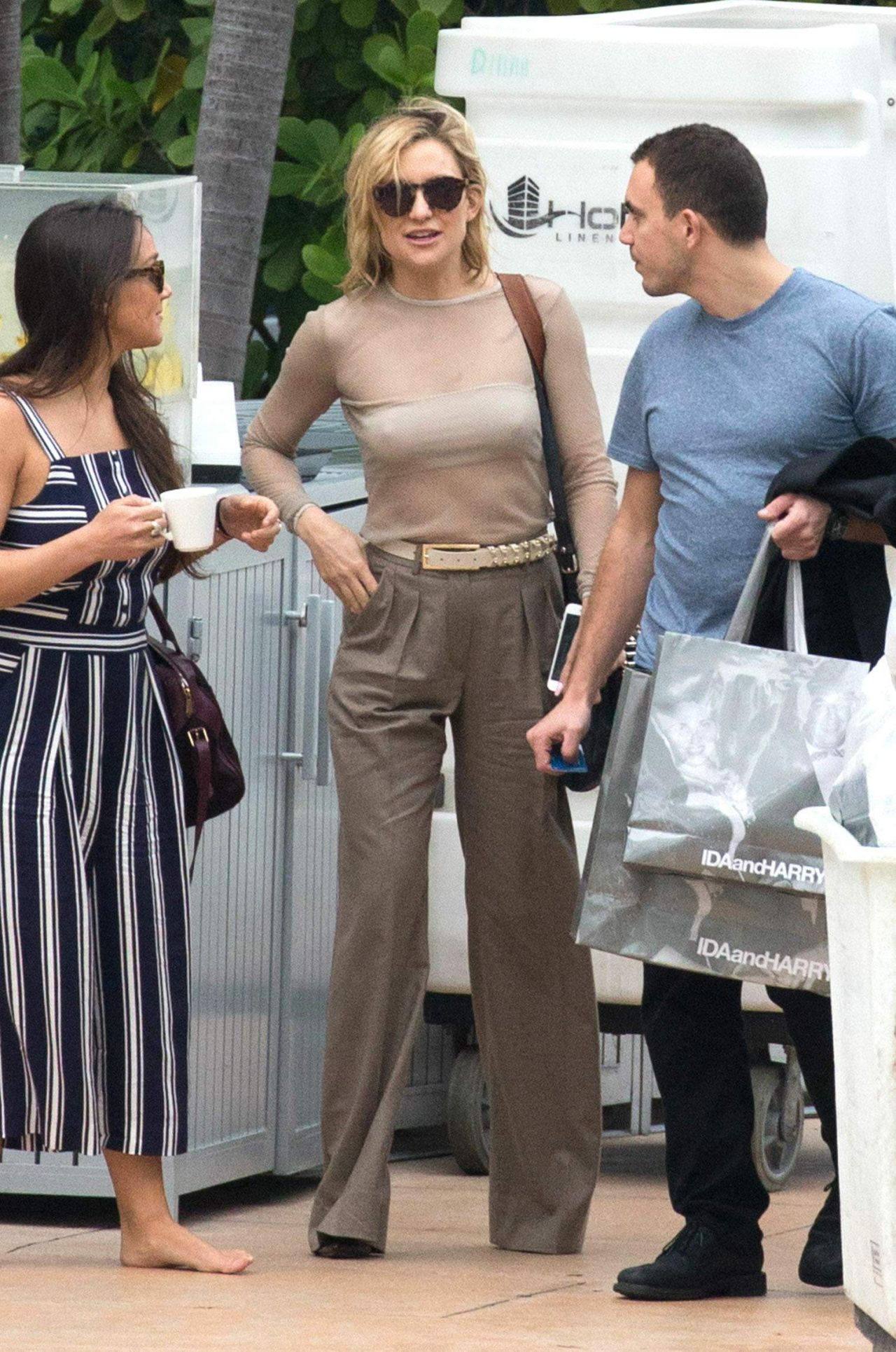 kate-hudson-style-leaving-her-hotel-in-miami-02-19-2016-1