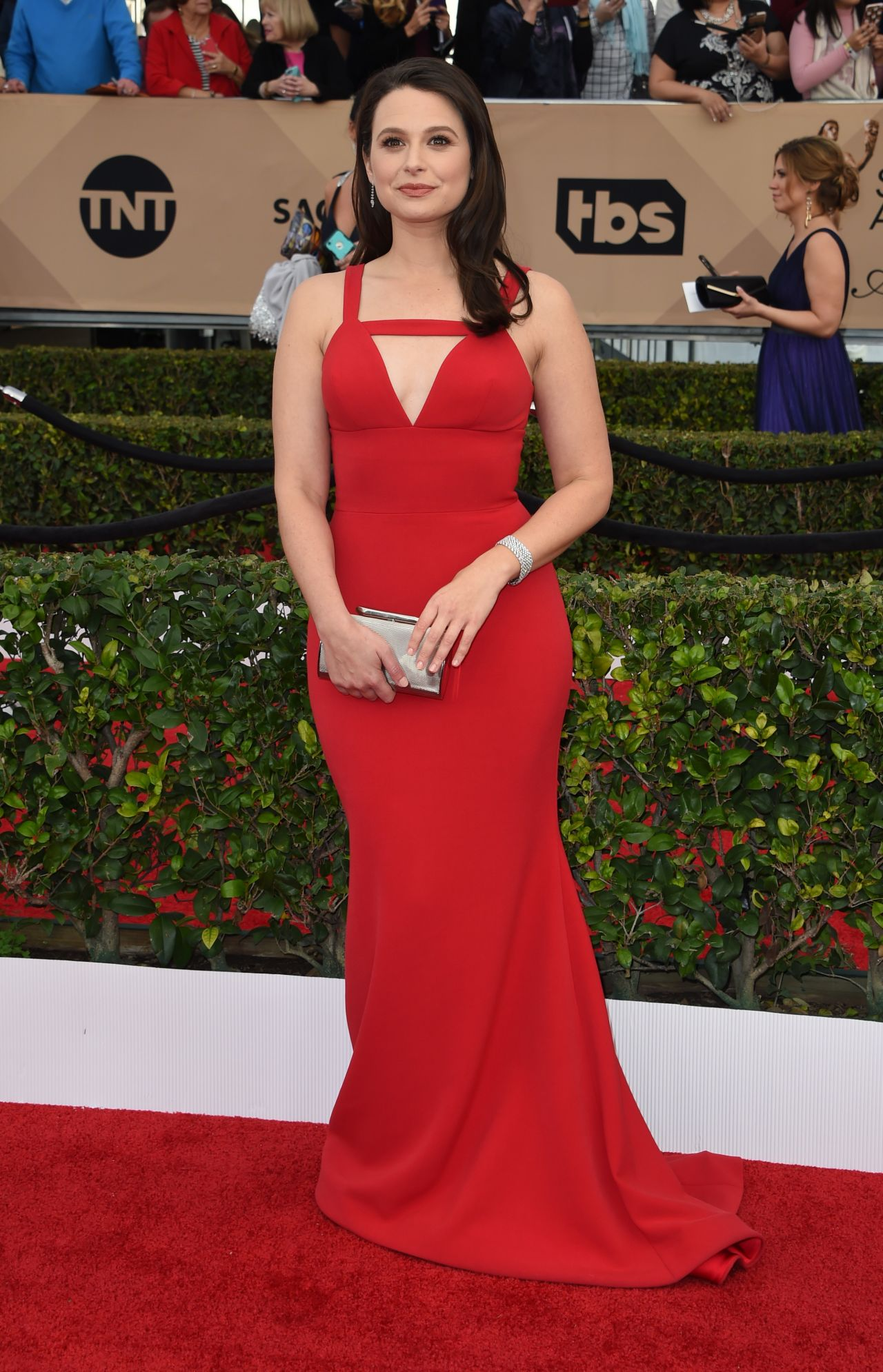 katie-lowes-sag-awards-2016-at-shrine-auditorium-in-los-angeles-1