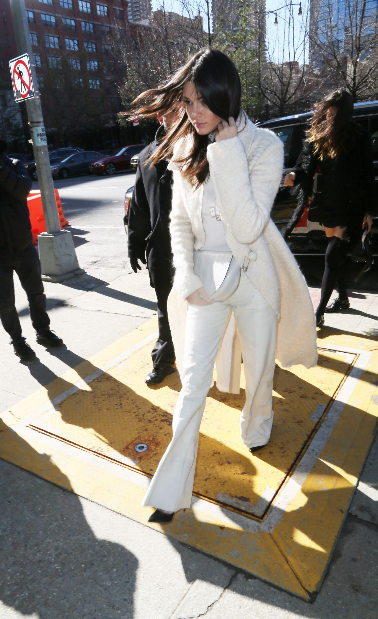 kendall-jenner-leaving-calvin-klein-fashion-show-in-new-york-city-february-2016-3