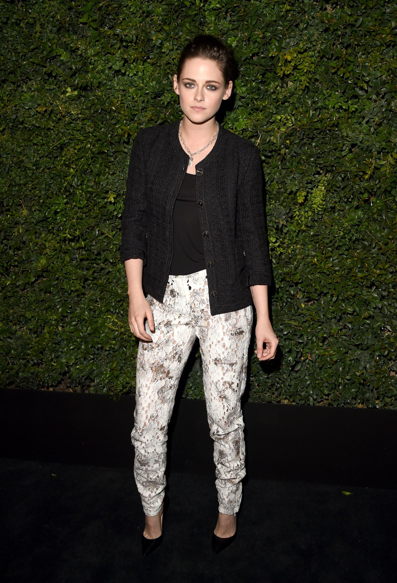 kristen-stewart-chanel-and-charles-finch-oscar-party-in-los-angeles-ca-2-27-2016-2