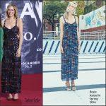 Kristen Wiig  in   Rosie  Assoulin  at the 'Zoolander 2' Berlin Premiere