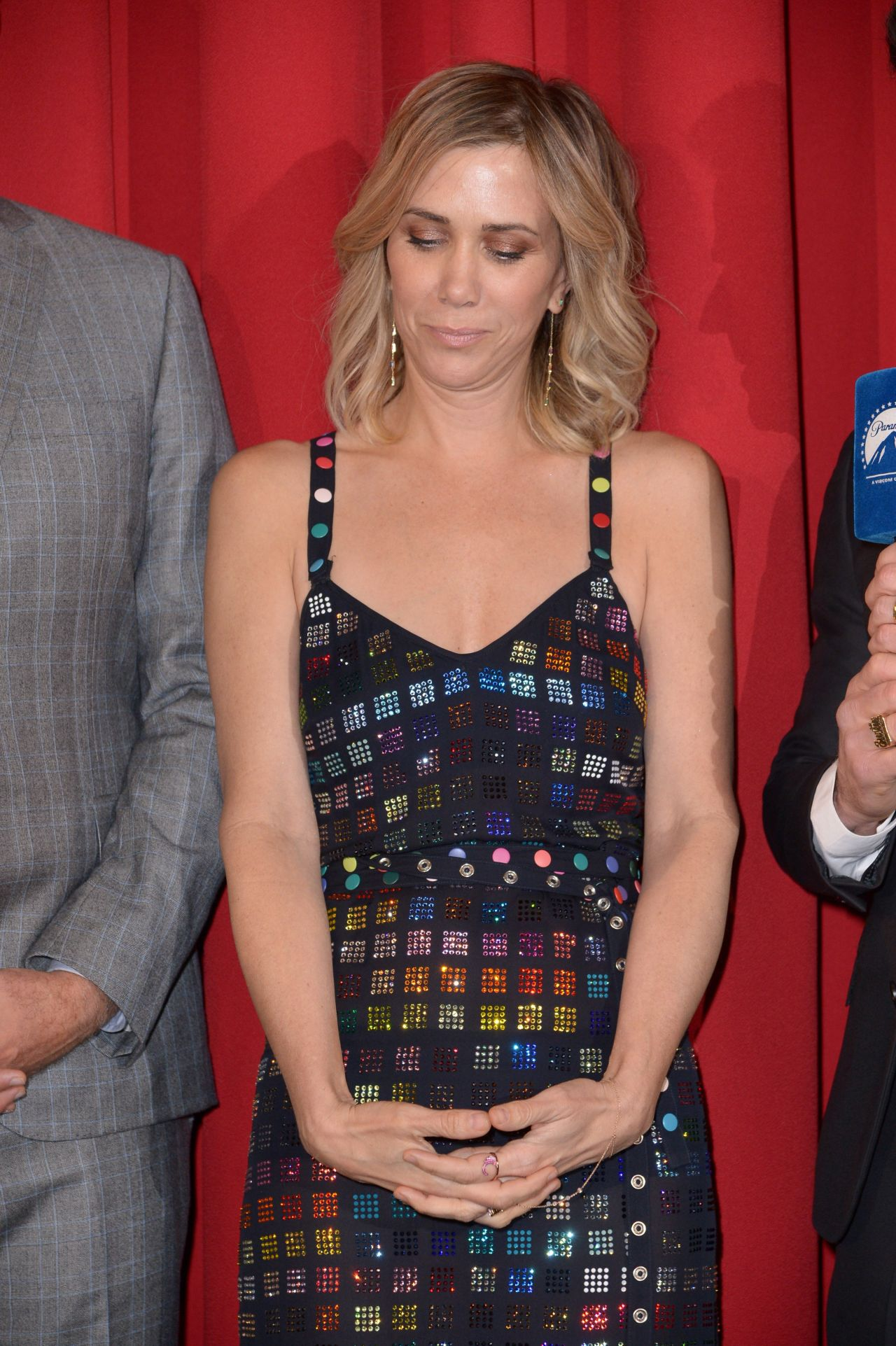 kristen-wiig-zoolander-2-fan-screening-in-berlin-5
