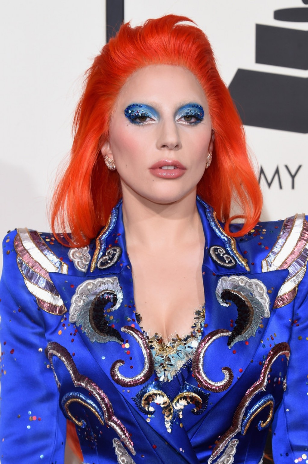 lady-gaga-2016-grammy-makeup-1024x1542