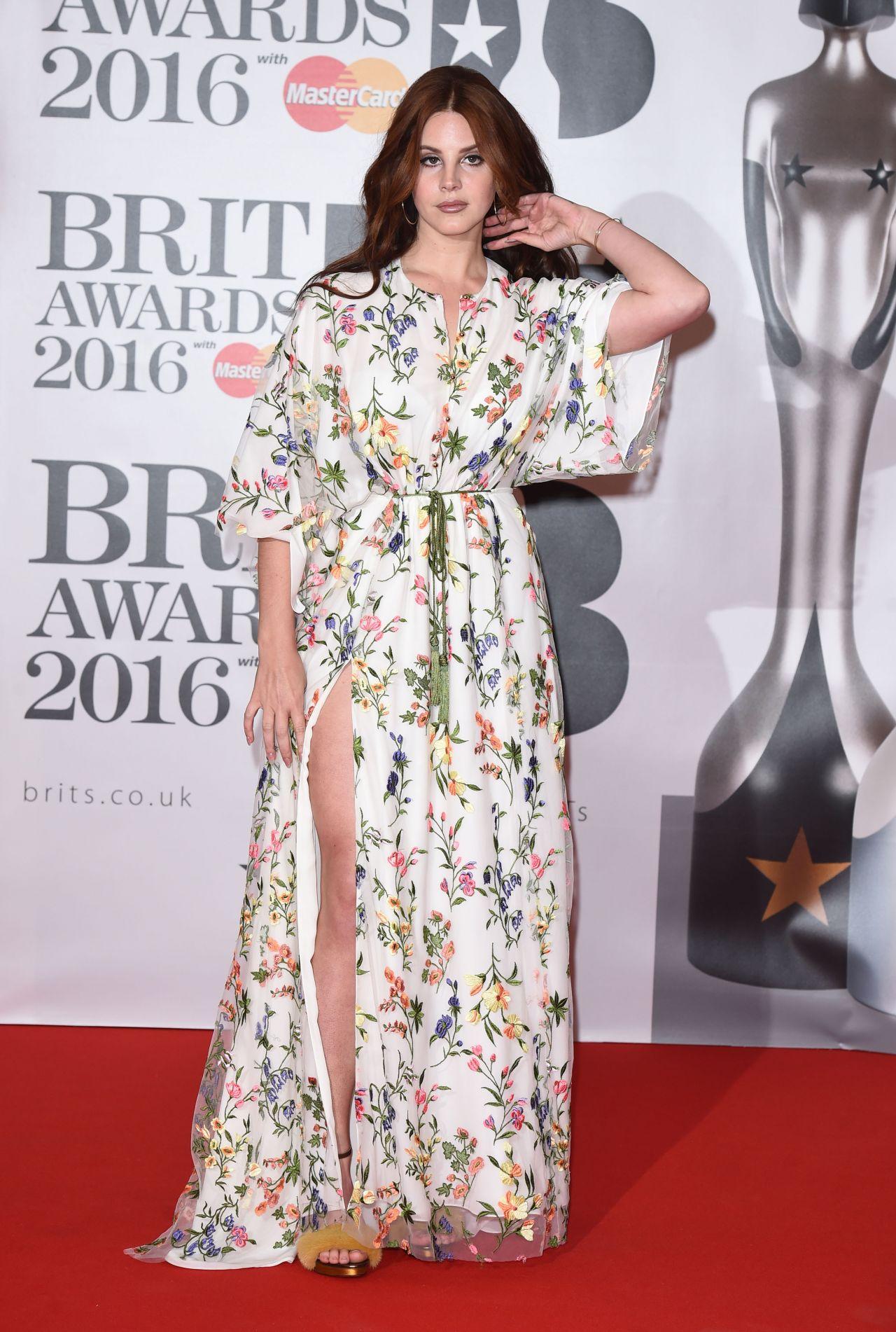 lana-del-rey-brit-awards-2016-in-london-uk-1