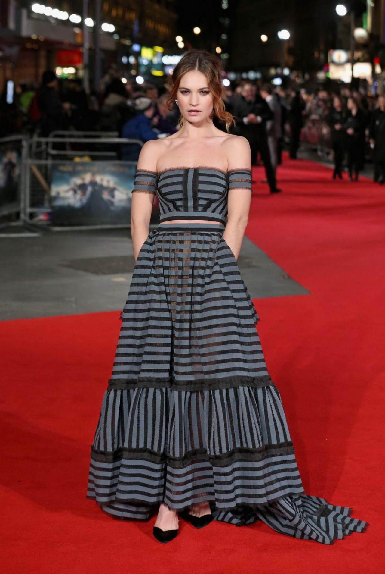 lily-james-pride-prejudice-zombies-premiere-in-london-2
