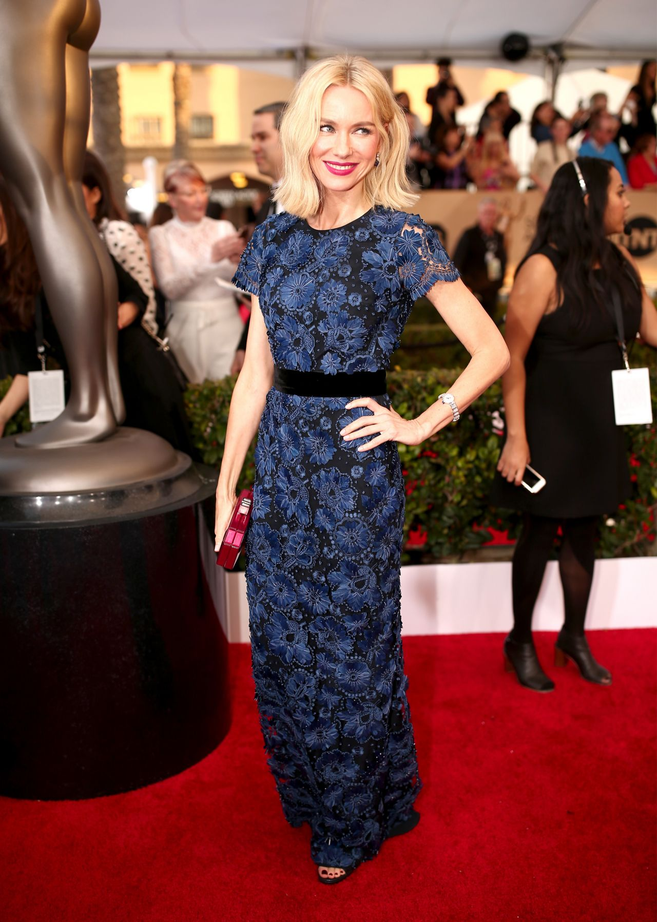 naomi-watts-sag-awards-2016-at-shrine-auditorium-in-los-angeles-2