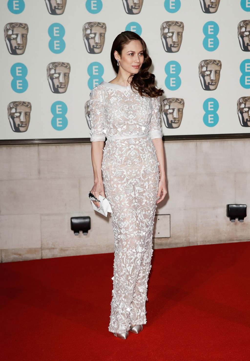 olga kurylenko in ralph and russo 2016 ee british academy film awards fashion sizzle. Black Bedroom Furniture Sets. Home Design Ideas