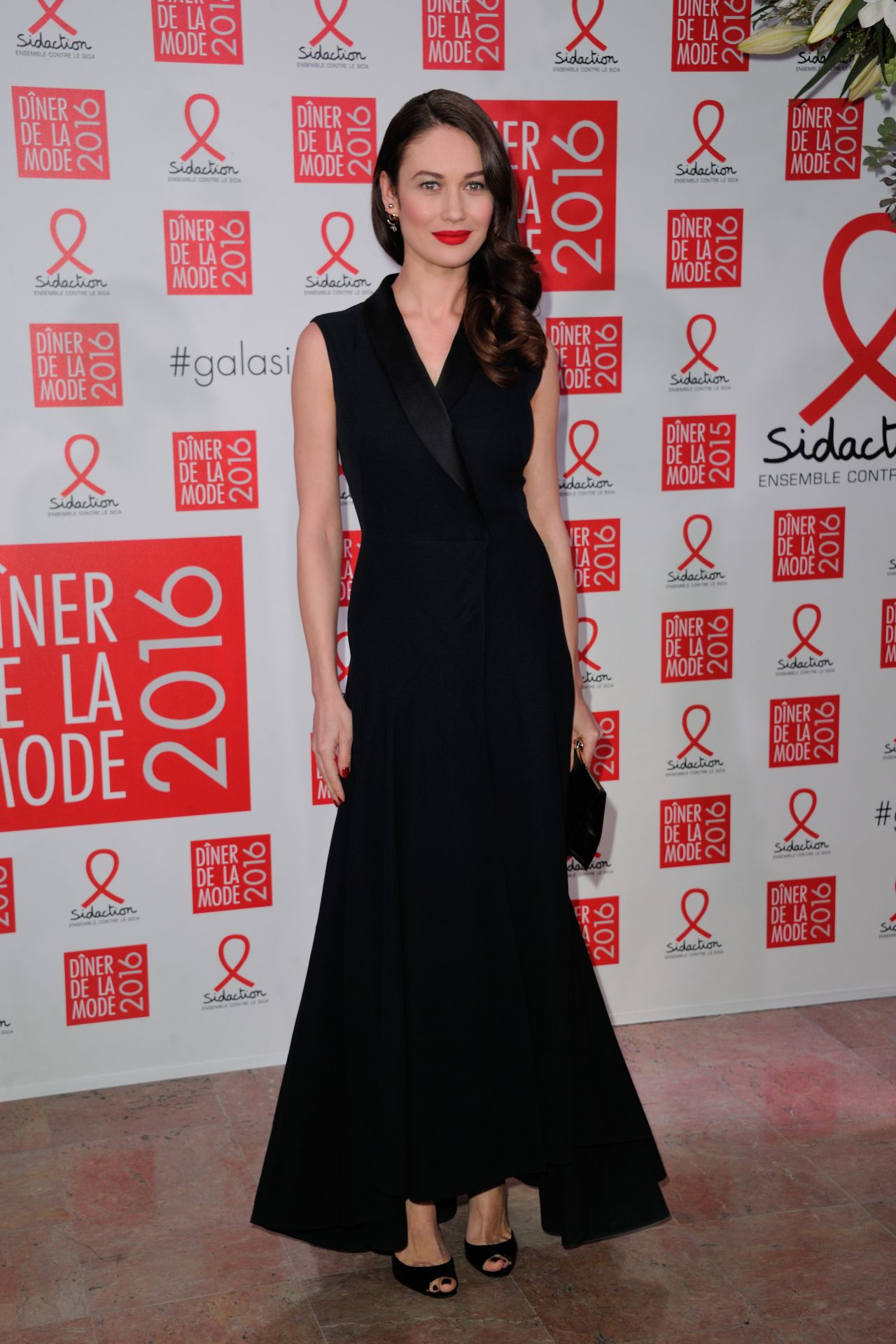 olga-kurylenko-sidaction-gala-dinner-2016-in-paris-2-1