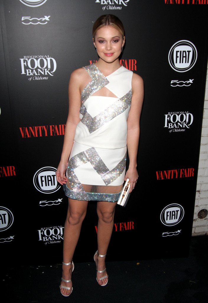 olivia-holt-young-hollywood-versace