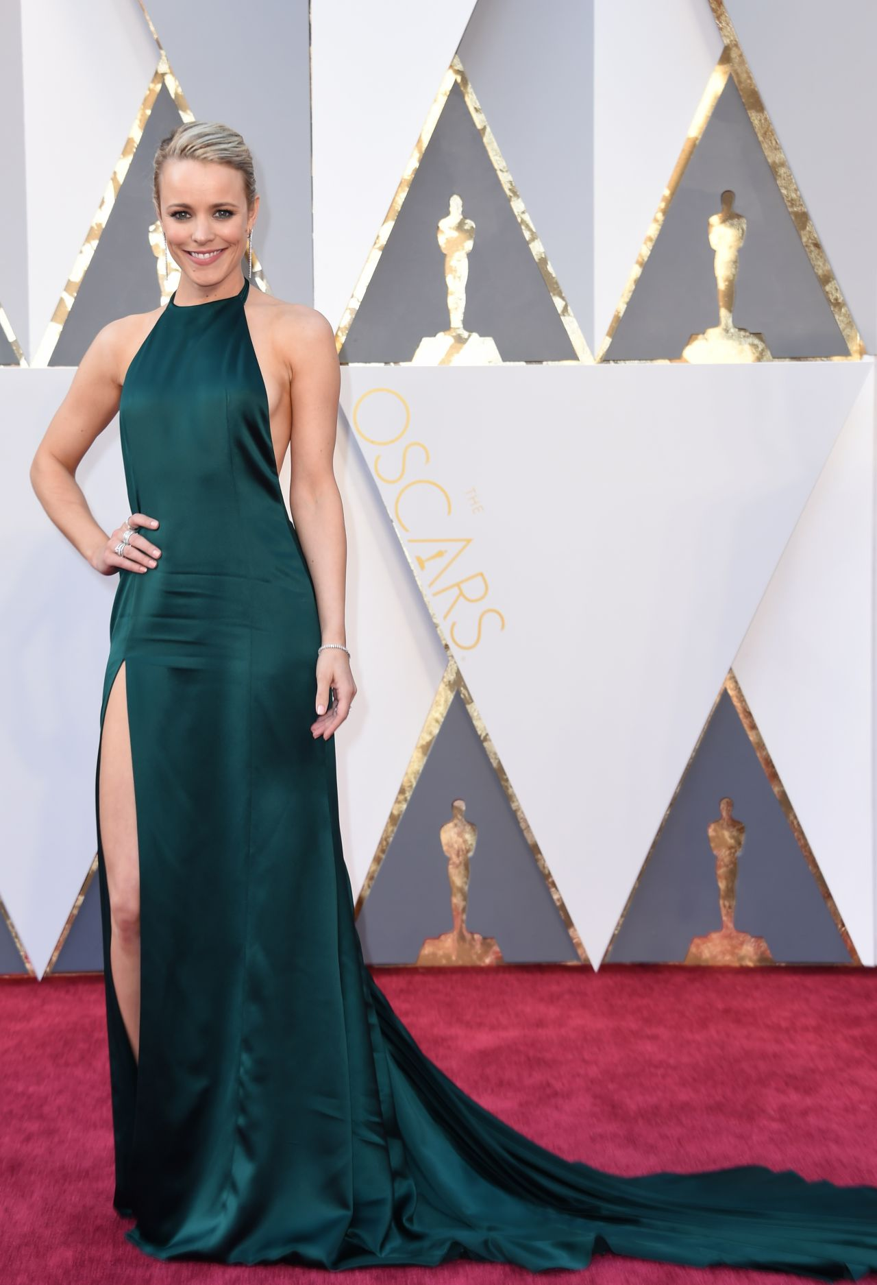 rachel-mcadams-oscars-2016-in-hollywood-ca-2-28-2016-3