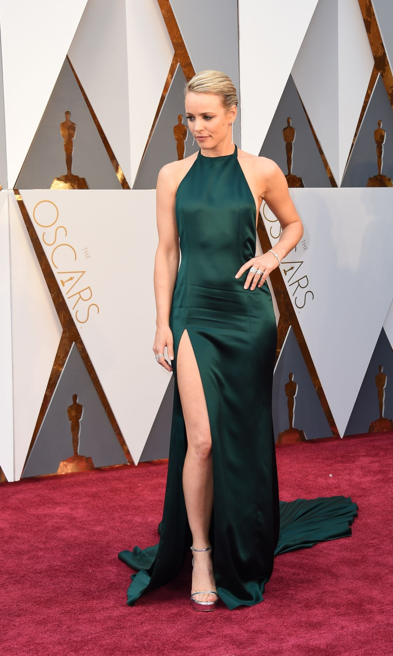 rachel-mcadams-oscars-2016-in-hollywood-ca-2-28-2016-4