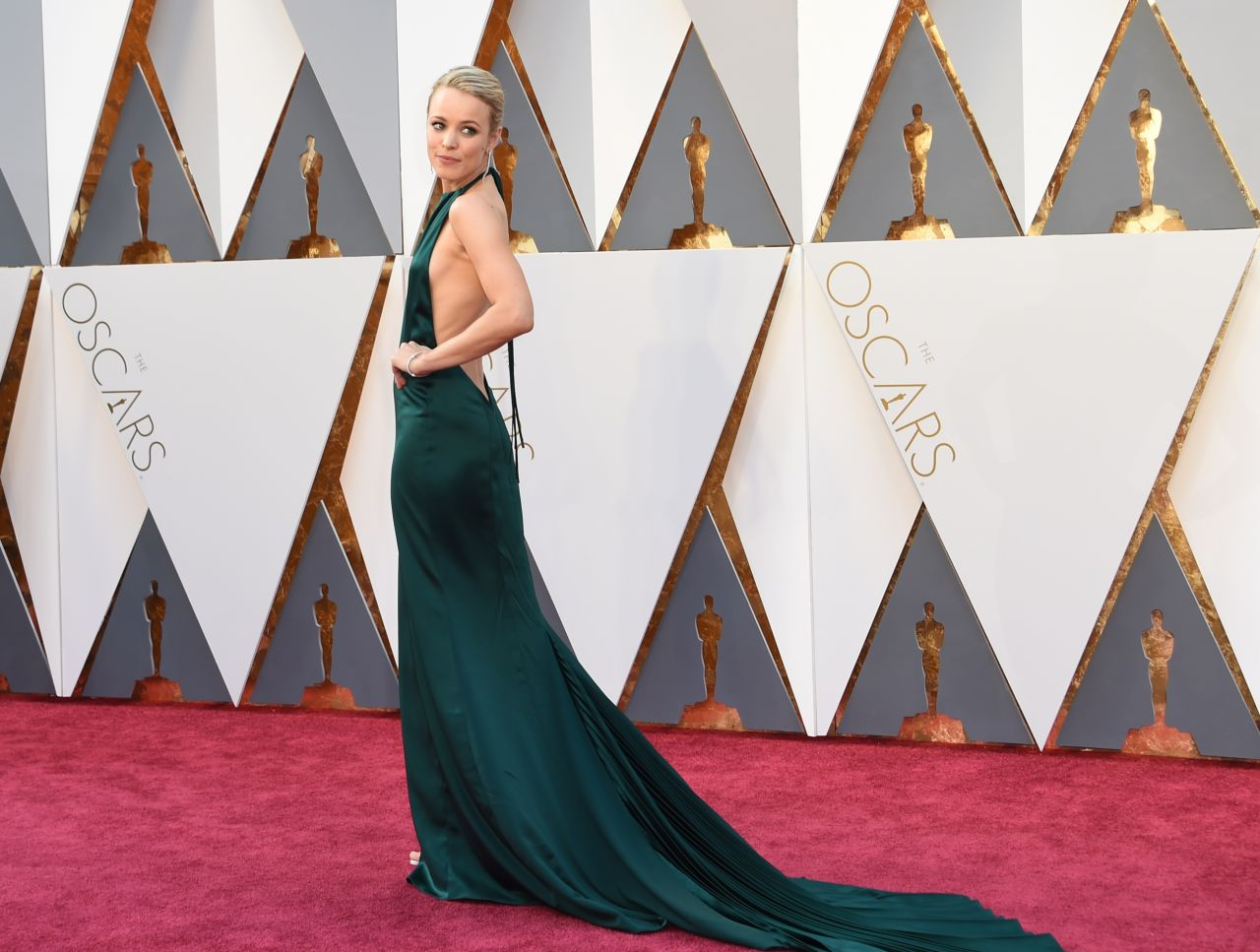 rachel-mcadams-oscars-2016-in-hollywood-ca-2-28-2016-5