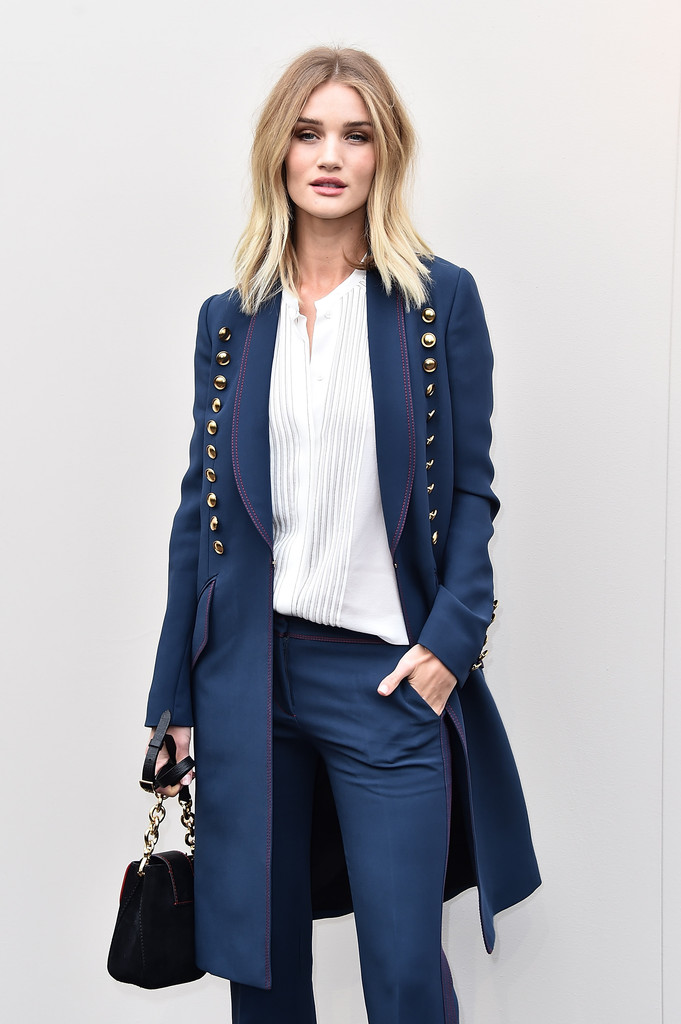 rosie-huntington-whiteley-burberry-london-fashion-show