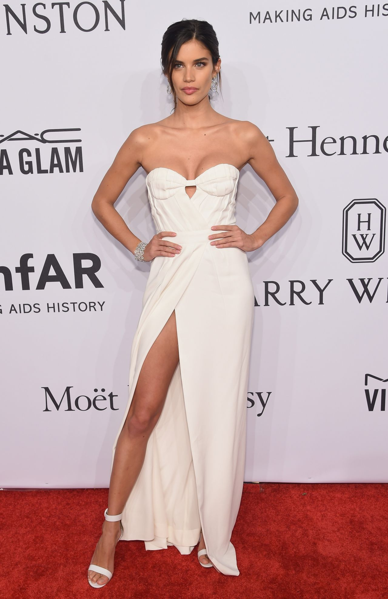 sara-sampaio-2016-amfar-new-york-gala-in-new-york-city-ny-1