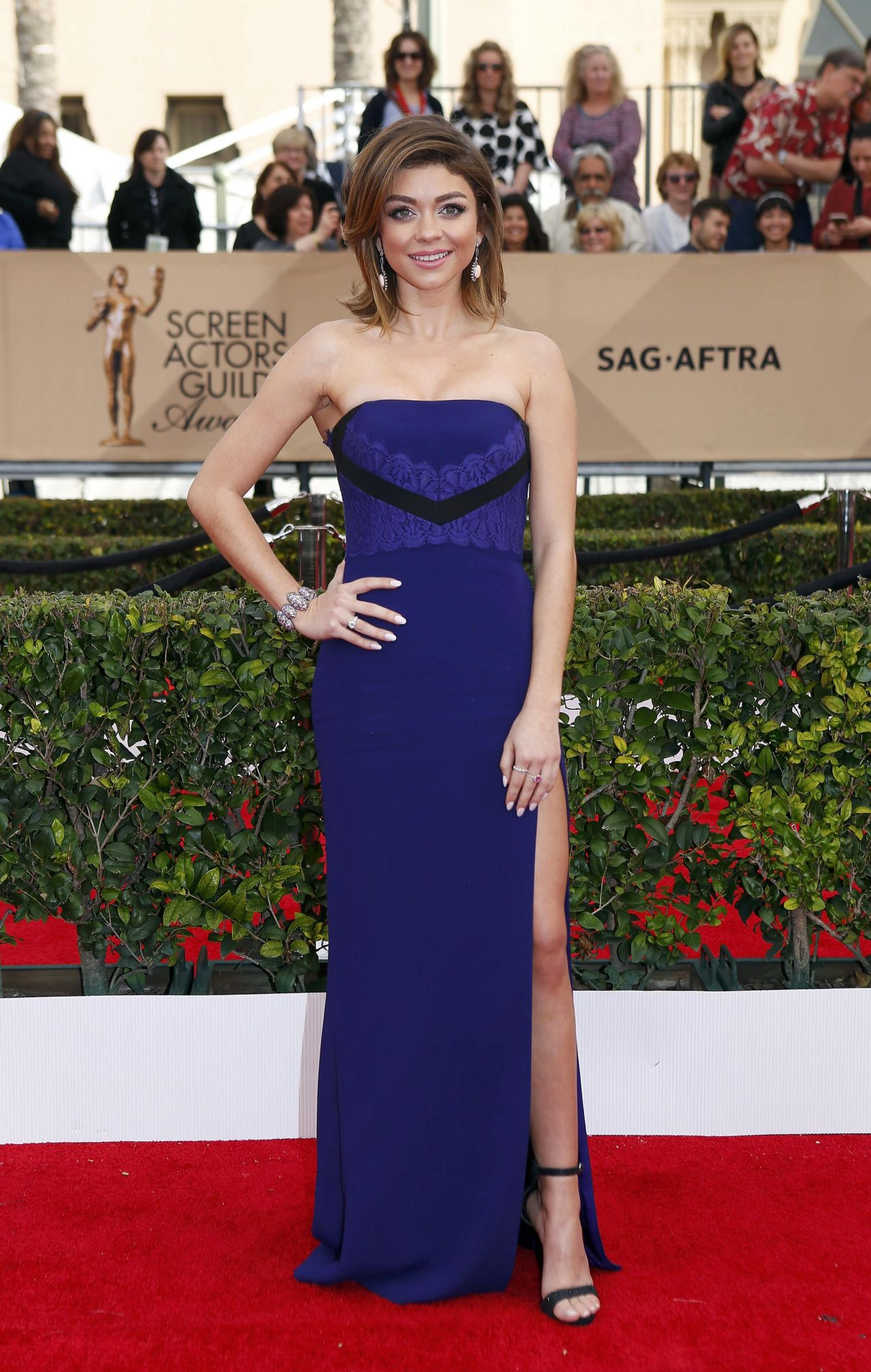 sarah-hyland-sag-awards-2016-at-shrine-auditorium-in-los-angeles-1