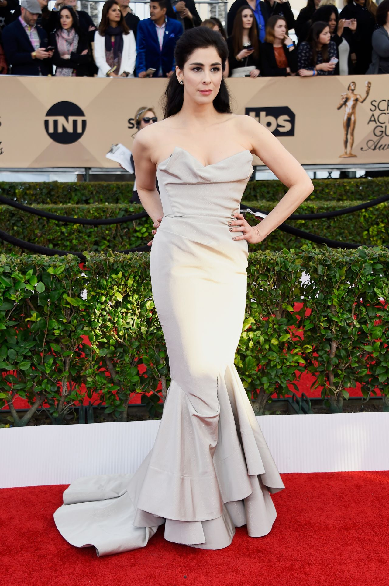 sarah-silverman-sag-awards-2016-at-shrine-auditorium-in-los-angeles-1