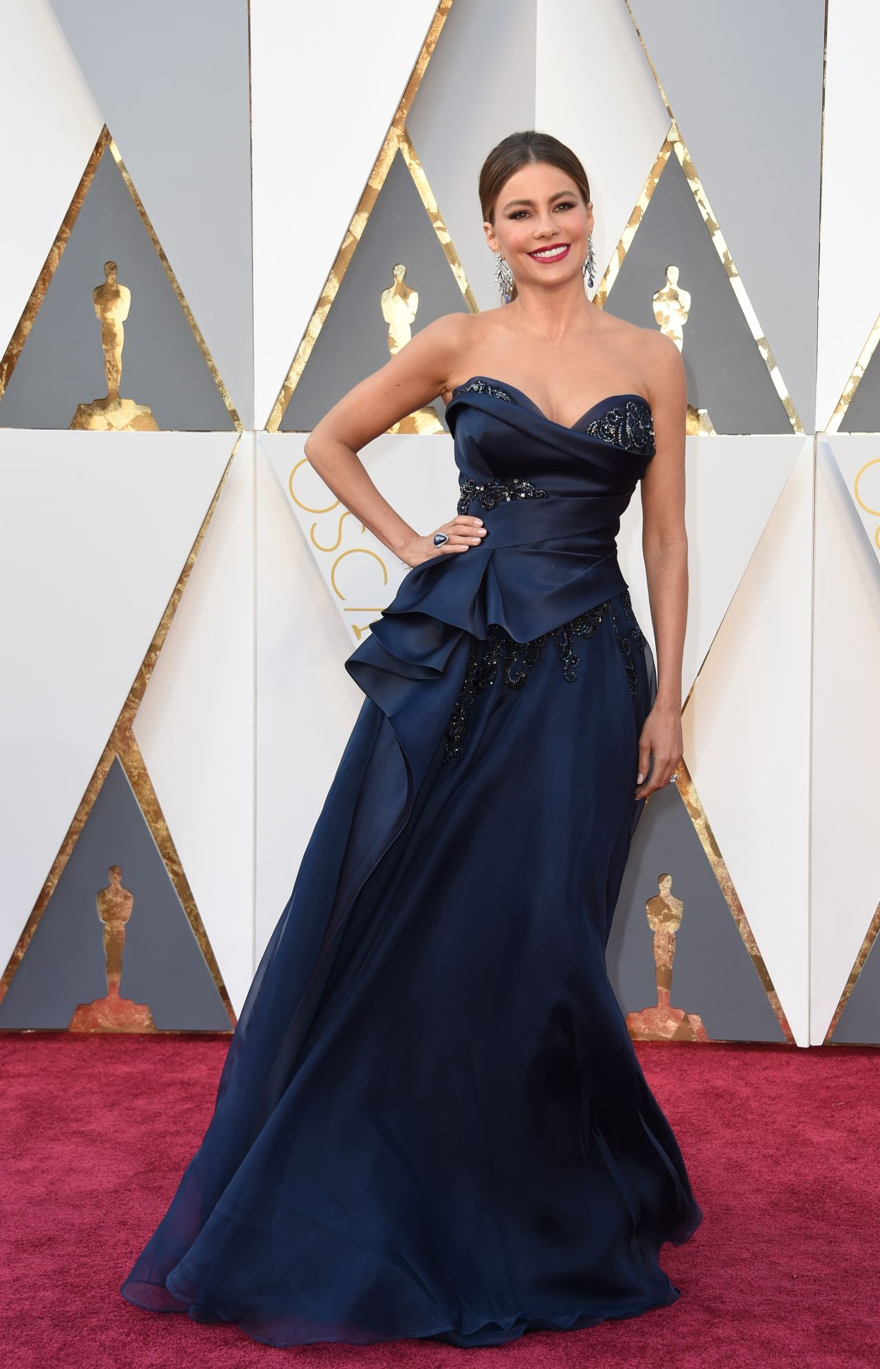 sofía-vergara-oscars-2016-in-hollywood-part-ii-11