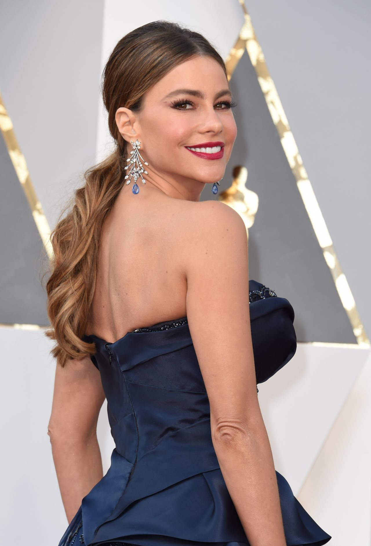 sofía-vergara-oscars-2016-in-hollywood-part-ii-8
