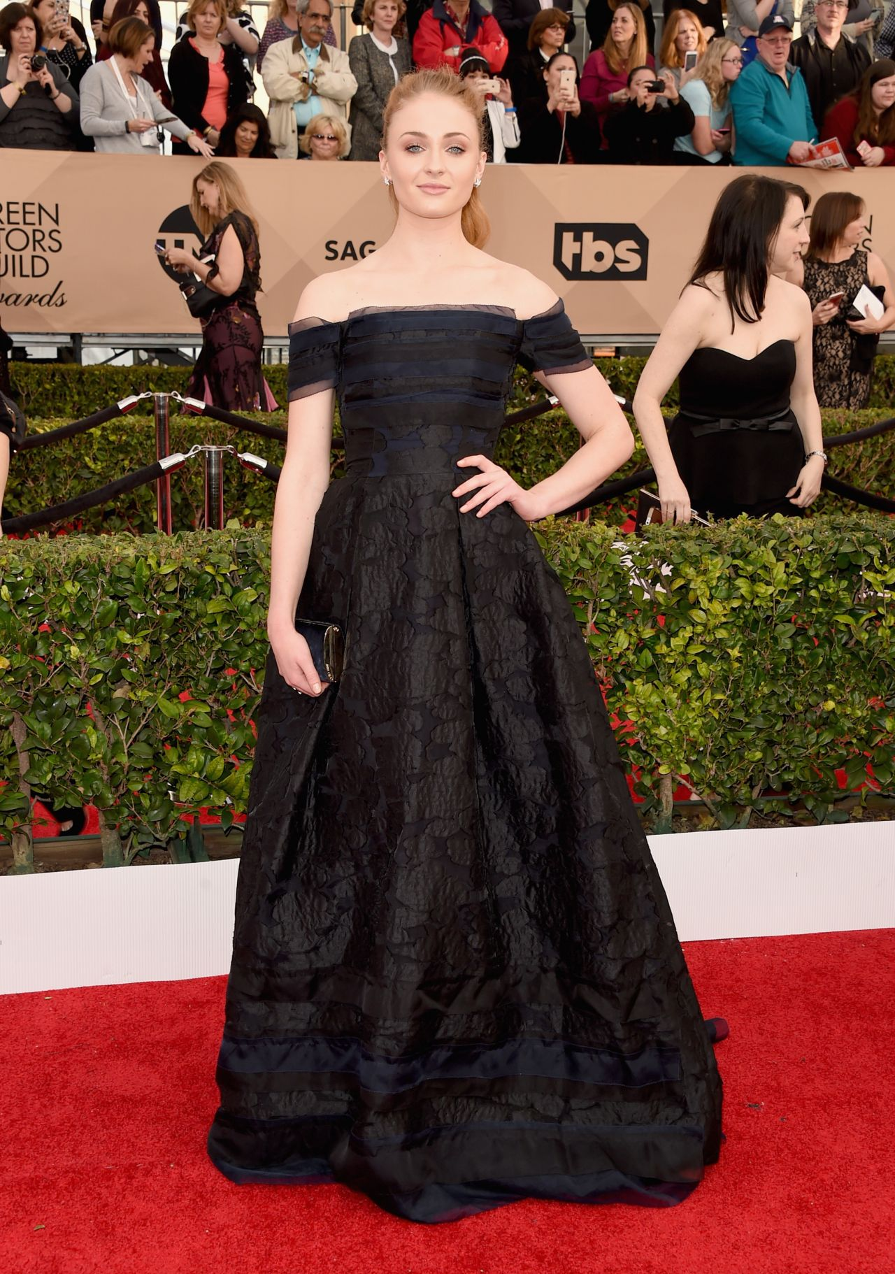 sophie-turner-sag-awards-2016-at-shrine-auditorium-in-los-angeles-1